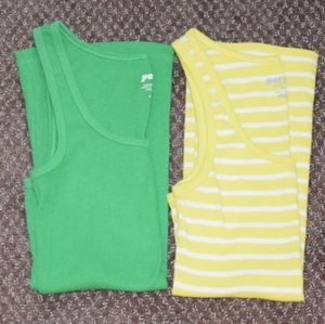 2 Old Navy Scoop Neck Tank Tops Small